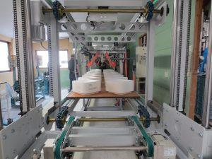 Cast molding machine