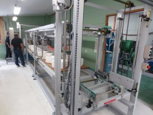 Fully automatic cast molding machine
